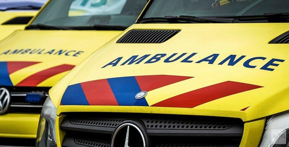 Scooterrijder zwaargewond na botsing met auto in Amstelveen