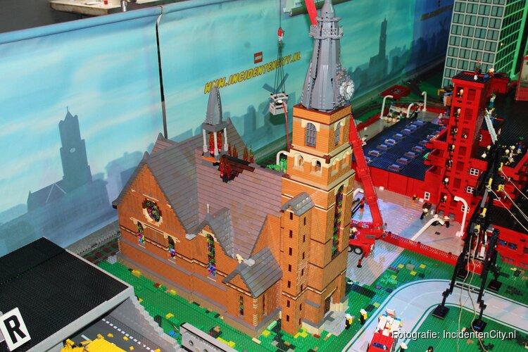 Grote brand Sint Urbanuskerk in Amstelveen in LEGO nagebouwd
