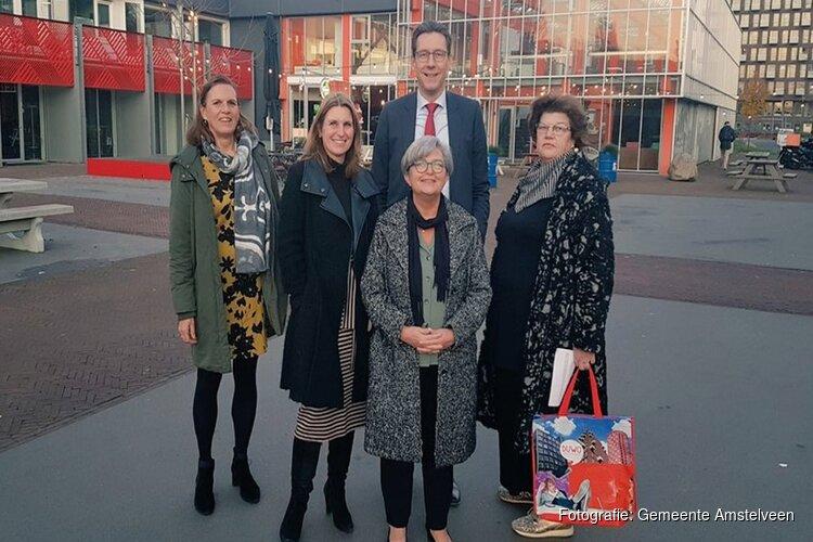 Burgemeester Tjapko Poppens bezoekt studentencampus Uilenstede