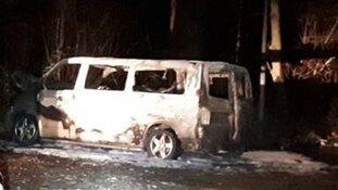 Amstelveen - Duivendrecht - Uitgebrande bestelbus is vluchtauto Escapade