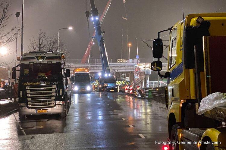 Wegdekken viaduct Ouderkerkerlaan liggen op hun plek