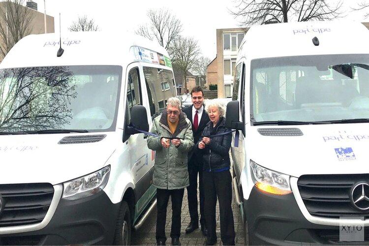Feestelijke ingebruikname bussen ontmoetingsgroepen