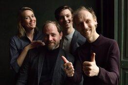 Temptation Island vamp Ayleen Kilisli op het toneel met Theatergroep De Warme Winkel