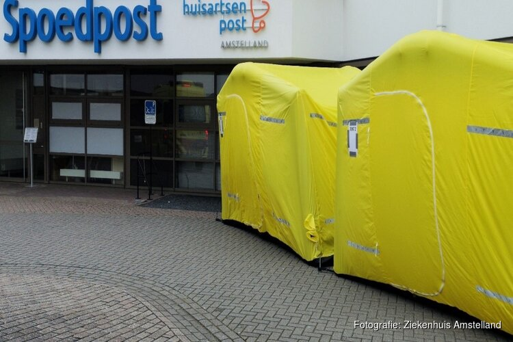 Ziekenhuis Amstelland plaatst noodtenten voor opvang coronapatiënten