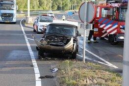 Auto vliegt in brand bij Schiphol-Oost, inzittenden ongedeerd