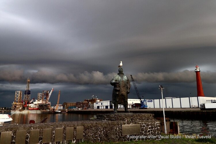 Mooie shelf cloud wolken boven Amstelveen en IJmuiden