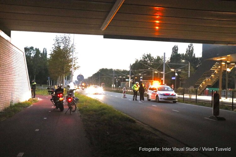 Agenten arresteren scooterrijder bij verkeersongeluk Amstelveen